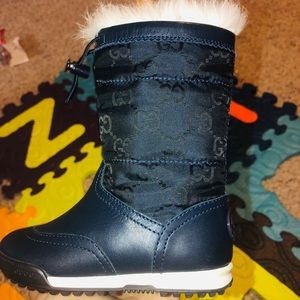 New authentic gucci kids boot w/ fur size US 6